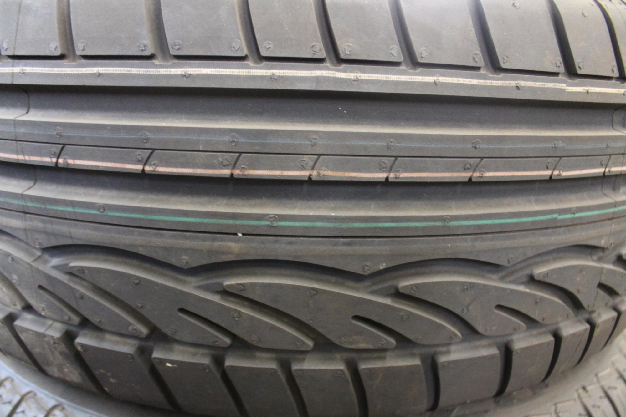 dunlop sport 01 215 50 r17 95v 215 50 17 dot2013 new normal tyre ebay. Black Bedroom Furniture Sets. Home Design Ideas